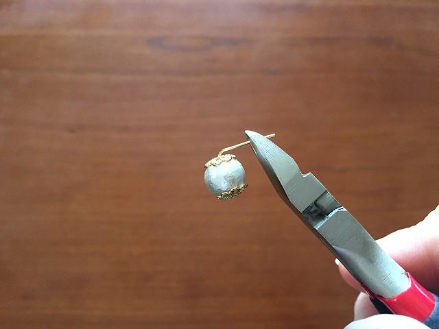 「7mm」ほど残しニッパーでカットする