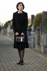 49日女性服装