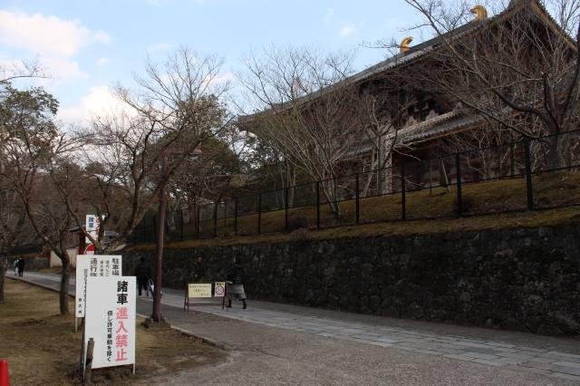 大仏殿の北側