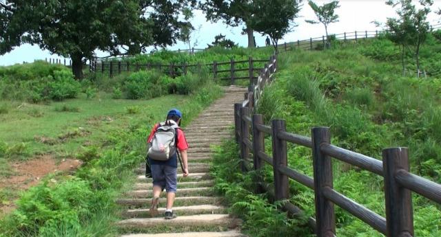 若草山ハイキング二重目から三重目へ